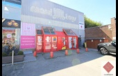 WATERLOO - Rez commercial libre 1191 m²