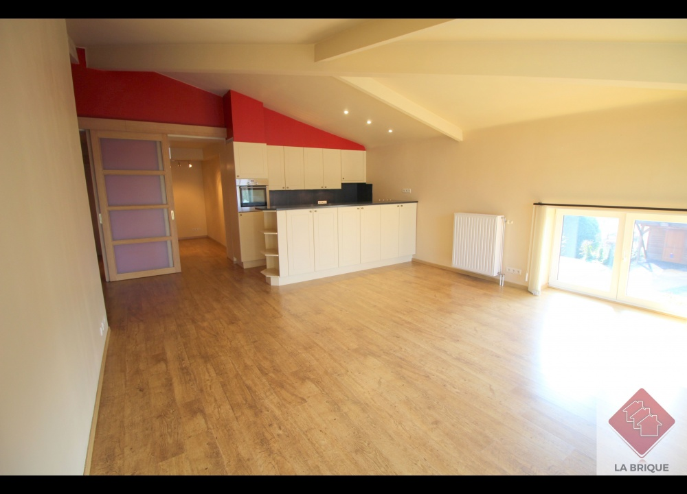 * LOUE * WATERLOO - Appartement 1 ch+bureau